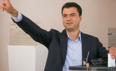 Basha shfrytëzon edhe orën e fundit, i bën thirrje qytetarëve të votojnë përmes VIP-ave (VIDEO)