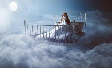 Pesë arsye të mundshme pse shihni dikë në ëndërr!