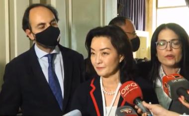Yuri Kim ndjek procesin e numërimit në Tiranë:  Disa parti kanë shpallur fitoren, por duhet të presim (VIDEO)