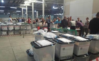 """ZGJEDHJE 2021/ Mbyllet votimi në Tropojë, PD-ja """"shtyp"""" PS-në"""