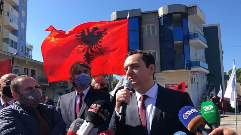 Nisi fushatën në Shqipëri, Albin Kurti gjobitet me 50 milion lekë
