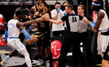 Sherr masiv në NBA, përjashtohen dy lojtarë (VIDEO)