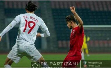 Vetëm 16 sekonda lojë, Partizani ndëshkon Bylis (VIDEO)