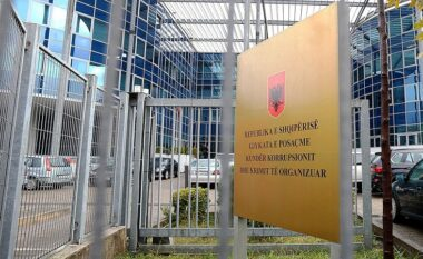 """SPAK me """"dorë të hekurt"""": Kërkon sekuestrimin e pasurisë së ish kreut të Kushtetueses dhe dy ish-gjyqtarëve"""