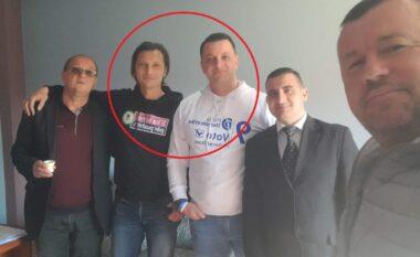 Çfarë po ndodh në Vlorë? Kandidatët e PS e PD pozojnë krah më krah si miq