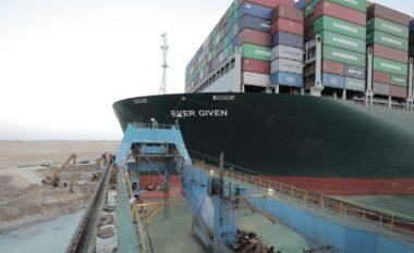 """Anija që bllokoi kanalin e Suezit mbahet """"peng"""" nga Egjipti, kërkohet një shpërblim i madh"""