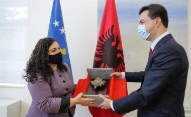 Basha dhe Kryemadhi urojnë Vjosa Osmanin: Punë të mbarë Presidente!
