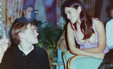 Monica Bellucci nuk i rezistonte dot Leonardo DiCaprios, fotot e rralla të flirtit (FOTO LAJM)