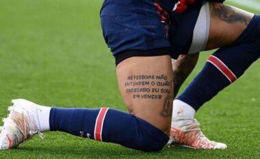"""Neymar zbulon tatuazhin dhe """"kërcënon"""" Bayernin para ndeshjes në Champions"""