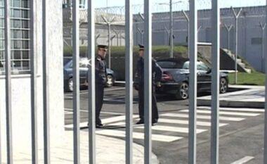 Mbyllet procesi i votimit në burgun e Fierit, kaq të dënuar ushtruan të drejtën e votës