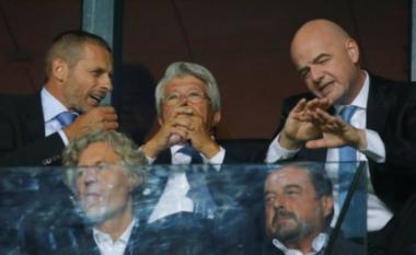 """""""Po rrija në tarracë dhe me vjen një burrë"""", Ceferin rrëfehet si """"u dogj"""" shtëpia e futbollit"""