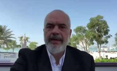 Më pak se dy orë nga mbyllja e procesit të votimit, Rama zhvendoset në Durrës