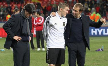 Flick konfirmoi largimin nga Bayerni, Schweinsteiger ka një mesazh