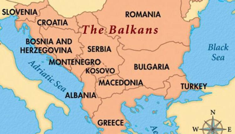 Dokumenti për ndryshimin e kufijve në Ballkan, si komentohet në Shkup?