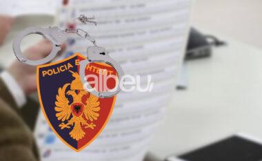 Tentoi të fotografonte votën, arrestohet i riu në Shkodër