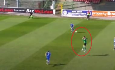 Gol me kokë nga 36 metra, shikoni si reagon komentatori (VIDEO)
