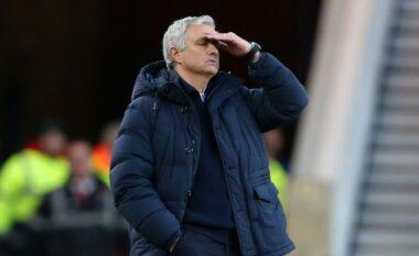 ZYRTARE: Tottenham Hotspur shkarkon Jose Mourinhon