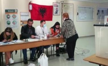 Incident në Vlorë: Qytetari bëri foto votës, bllokohet procesi e vjen policia