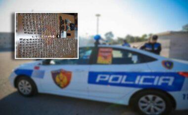 """Kanabis, kokainë dhe doreza grushti: Policia arreston të rinjtë në shtëpinë e """"krimit"""""""