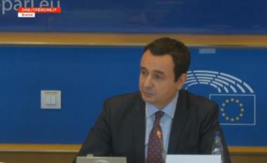 Kurti në Parlamentin Evropian: Kosova në tryezën e bisedimeve ulet si palë e barabartë me Serbinë