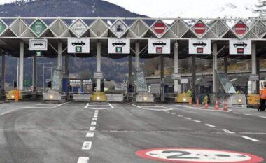 Lajm i mirë! Kosovarët nuk do të paguajnë më taksë kufitare me Malin e Zi