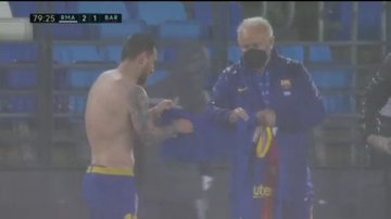 Nuk u pa gjatë ndeshjes, Messi dridhej nga i ftohti (VIDEO)