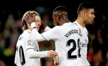 Super kombinim, Reali ndëshkon Liverpool (VIDEO)