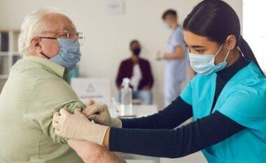 Nis vaksinimi i të moshuarve në shtëpi në Kosovë