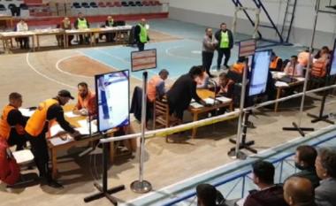 Nis numërimi i votave të kandidatëve në Durrës, pas disa orësh ngecje