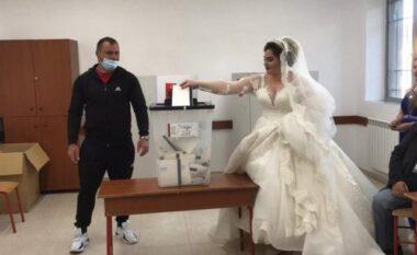 Po bën xhiron e rrjetit, çifti nga Durrësi shkon të votojë menjëherë pas martesës