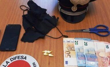 Kokainë brenda maskës, arrestohet i riu shqiptar në Romë