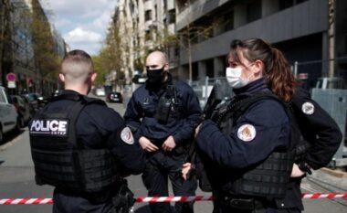 Vritet me thikë policja në Paris