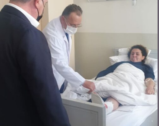 U plagos në Elbasan, si është gjendja e efektives e shtruar në spital (FOTO LAJM)