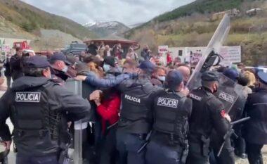 Protestuan kundër ndërtimit të HEC-it, arrestohet organizatori dhe tre qytetarë