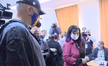 E FUNDIT/ Voton kryeministri! Linda me flokë lejla, Rama me çitjane (VIDEO)