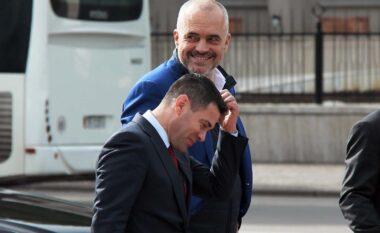 Shqiptarët ende pa marrë asnjë dozë, habit Ahmetaj: Do të vaksinojmë turistët!