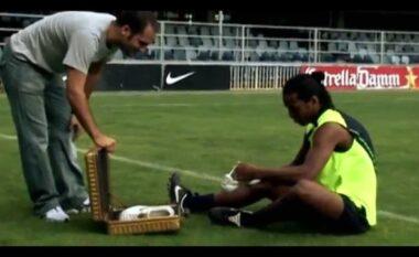 """Reklama e """"Nike"""" e Ronaldinhos duke goditur shtyllën ishte e rreme? (VIDEO)"""