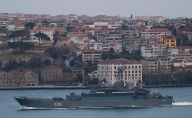 Tensionet me Ukrainën, Rusia çon dy anije në Detin e Zi