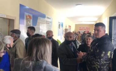 Incident në Shkodër! Tentoi të fotografonte votën, qytetari përfundon në polici