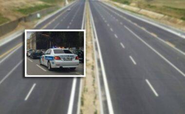 Prag tragjedie, shoferi i futet kundravajtje autostradës Elbasan-Tiranë