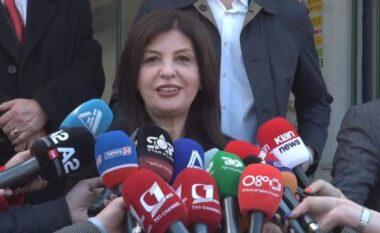 Jozefina Topalli voton e shoqëruar nga djali dhe bashkëshorti: Sot nis një kapitull i ri