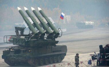 """U akuzua për shkelje të armëpushimit, Rusia """"kërcënon"""" Ukrainën: Lufta do të ishte fillimi i fundit tuaj"""