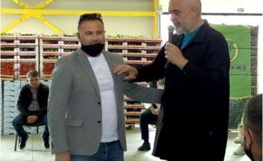 """""""Shikojeni, me Versace punon tokën"""", biznesmeni i prish batutën Ramës: E kam blerë në treg"""