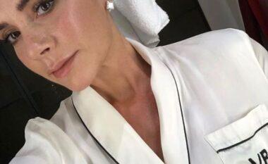 Sekreti i Victoria Beckham funksionon: Hileja 90 sekondëshe brenda dushit