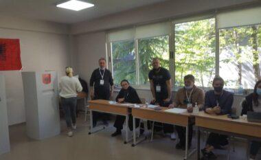 Tjetër rast tentative për fotografim të votos në Vlorë, shpallet në kërkim 54 vjeçari