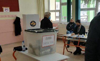 Katër orë me vonesë, katër qendra votimi në Lezhë nuk kanë nisur ende procesin