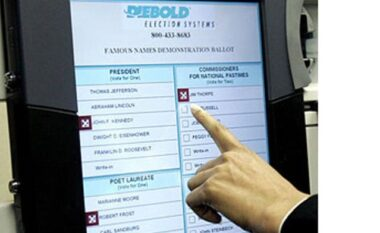 Votimi elektronik në Tiranë, qytetarët: Ishte e thjeshtë