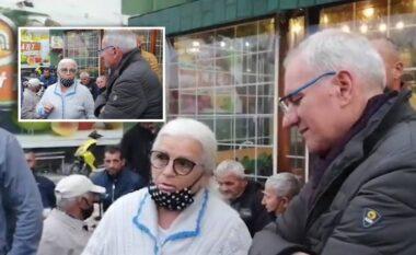 Mësuesja socialiste surprizon Xhaferajn në Durrës: Ndalova vetëm të të respektoj,  je i ndershëm dhe familjar model, qytetin e kemi bashkë
