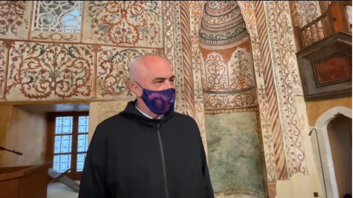 Rama viziton xhaminë e Et'hem Beut: Me orën e re policore do kryeni të gjitha ritualet