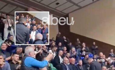 """Moret k…. nga Durrësi"", Dako e provokoi, Xhaferaj i kujton amerikanët: Je non grata (VIDEO)"